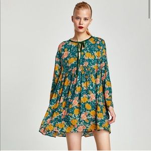Zara Green long sleeves floral jumpsuit size XS
